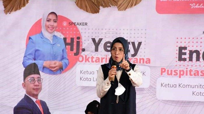 Ketua TP PKK Kota Lubuklinggau Hj Yetti Oktarina Prana Jadi Narsum Seminar Remaja