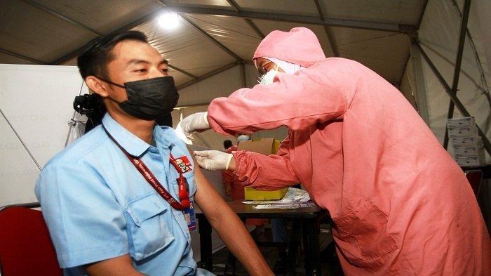 KFC Indonesia Intensifkan Vaksinasi Seluruh Karyawan Gerai - kfc-indonesia-intensifkan-vaksinasi-seluruh-karyawan-gerai-2.jpg