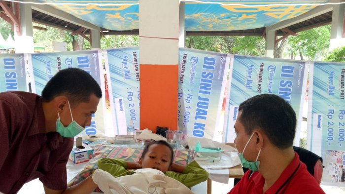 Alfamart Gelar Khitanan Massal dalam Rangkaian Acara Mom and Kids Day Out di TWA Punti Kayu