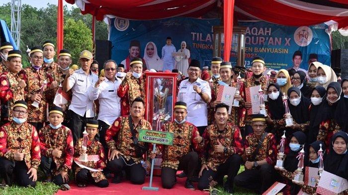 Kecamatan Banyuasin III berhasil menjadi juara umum dengan perolehan 7 emas, 4 perak dan 7 perunggu dalam Musabaqah Tilawatil Quran (MTQ) ke X tahun 2021 yang digelar Rabu siang (17/2) di Lapangan Bola Kaki Desa Cinta Manis, Kecamatan Air Kumbang