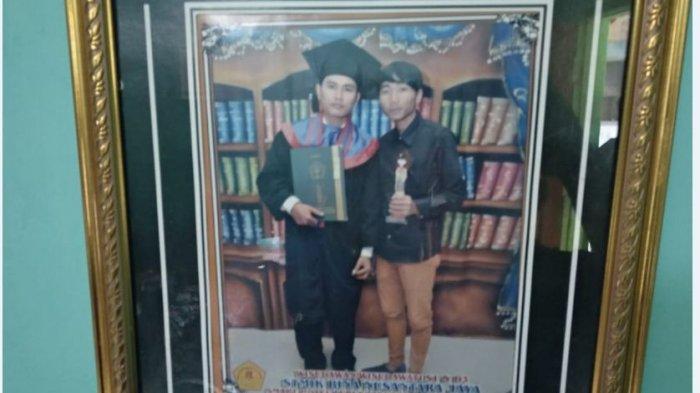 Duka Wong Kito Korban Lion Air JT 610 - Keluarga di Lubuklinggau Berharap Rian Terdampar di Pulau