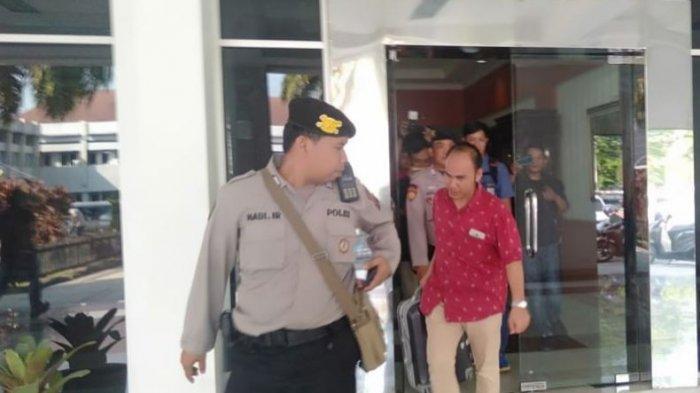 KPK Geledah Kantor Bupati Muara Enim 2,5 Jam, Penyidik Bawa 3 Koper dan Ransel