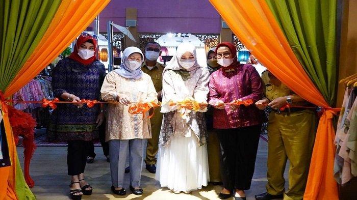 Feby Deru Terus Promosikan Produk Lokal di Ramadhan Sale Kriya Sriwijaya