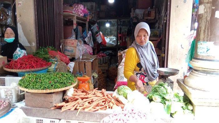 Jelang Lebaran, Hargai Cabai di Pasar Tradisional OKU Timur Meroket