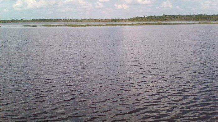 Keindahan dan Cerita Legenda Asal Muasal Danau Teluk Gelam di Kabupaten Ogan Komering Ilir