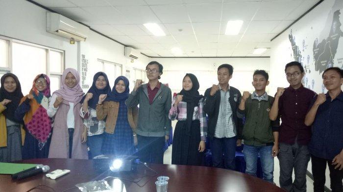 Lembaga Pers Mahasiswa (LPM) Kinerja FE Unsri Gelar Pelatihan Dasar Jurnalistik di Graha Tribun