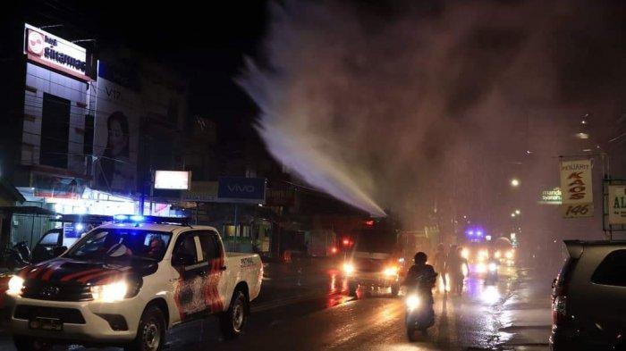 Jalan dan Pasar di Kota Lubuklinggau Disemprot Desinfektan