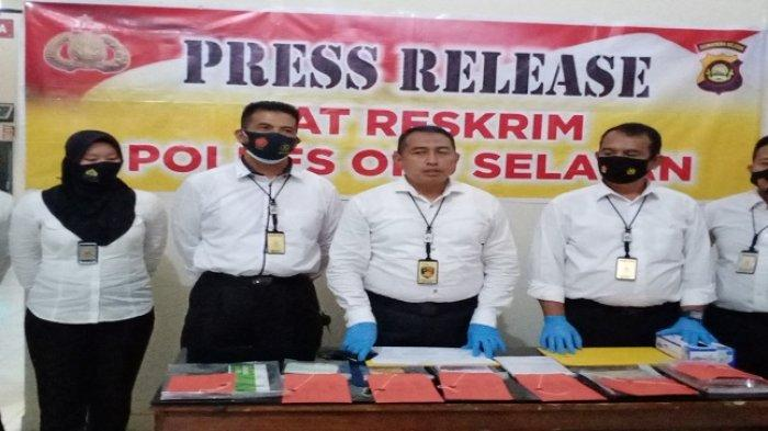 Press release penangkapan Lusi Tania (22) bandar arisan pelaku penggelapan uang  Satreskrim Mapolres OKU Selatan, Senin (7/12/2020).