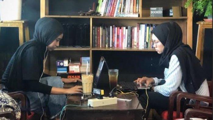 3 Kafe di Palembang Asyik untuk Nongkrong, Sediakan Banyak Koleksi Buku Bacaan Gratis