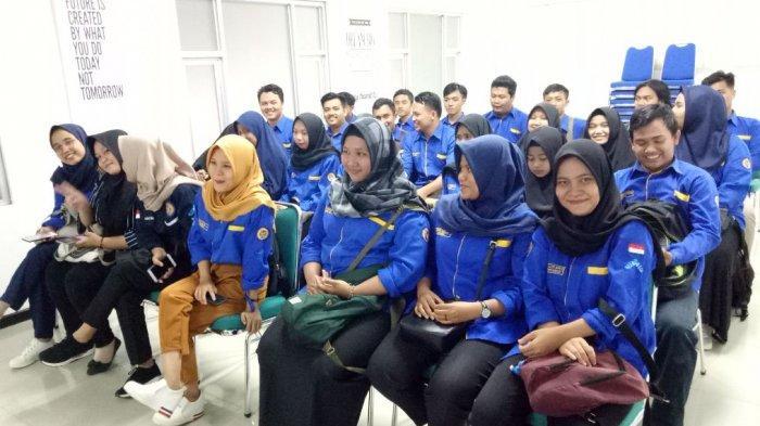 Mahasiswa Ilmu Komunikasi UIN Raden Fatah Kunjungi Graha Tribun Sumsel