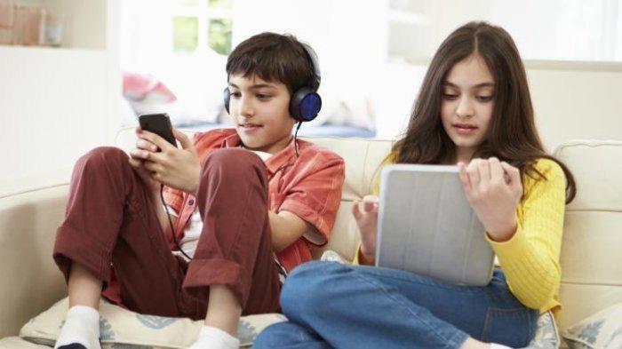 Begini Tips Sehat Main Ponsel untuk Anak