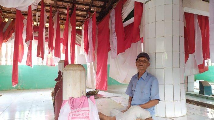 Cerita Makam Putri Penuh Bendera Merah Putih, Ada yang Panjangnya 35 Meter