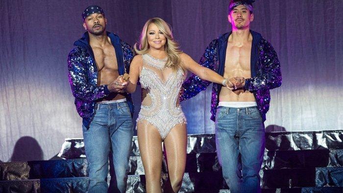Download (Unduh) Lagu All I Want For Christmas Is You - Mariah Carey, Lengkap dengan Lirik Lagunya