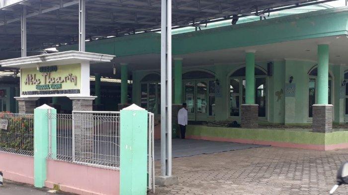 Beberapa Masjid di Palembang Tetap Melaksanakan Salat Jumat Berjamaah, Ini Alasannya