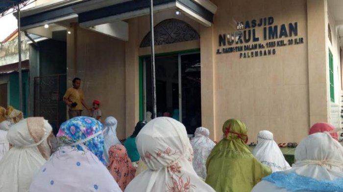 Salat Idul Adha di Masjid Nurul Iman Kemang Manis, Tak Seramai Tahun Sebelumnya