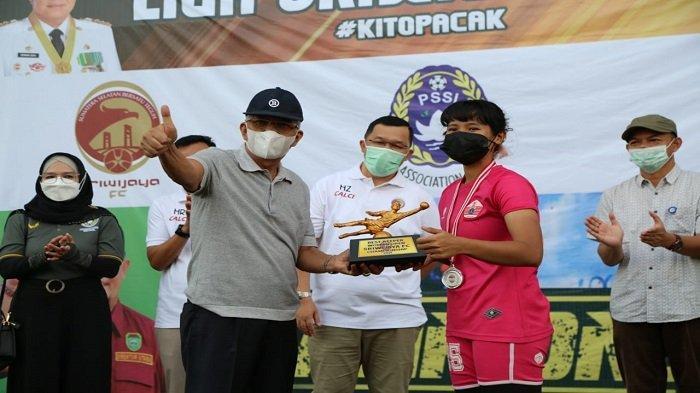 Wagub Sumsel Tutup Turnamen Sepakbola U14 dan Women Sriwijaya FC Championship 2021