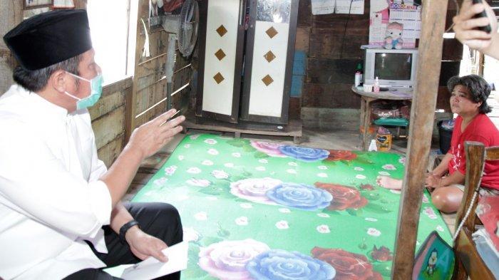 Enam Tahun Menderita Stroke, Mawarti Menangis Haru Dapat Pengobatan Gratis Gubernur Herman Deru