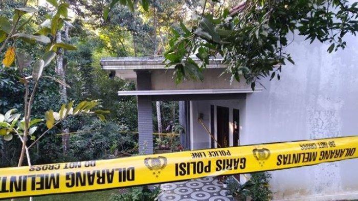 Misteri Mayat Ibu dan Anak Bertumpuk di Kamar Mandi Terkunci, Polisi Ungkap Dugaan Sementara