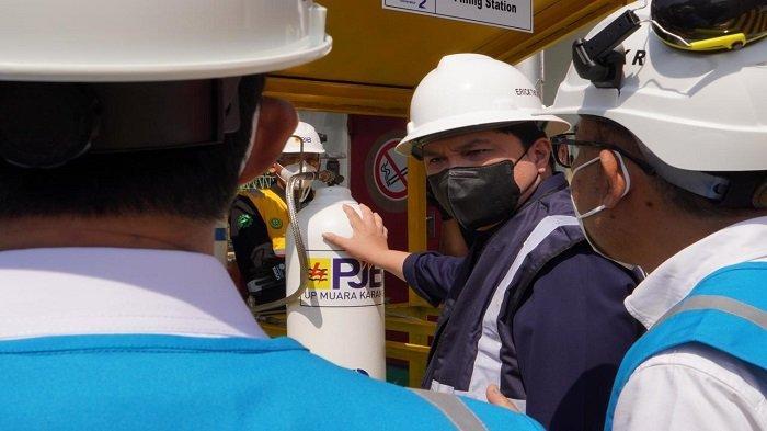 Dukung Penanganan Covid-19, PLN Siap Produksi Hingga 2 Ton Oksigen per Hari - menteri-bumn-erick-thohir-saat-meninjau-langsung-fasilitas-produksi-oksigen-di-pltgu-muara-karang.jpg