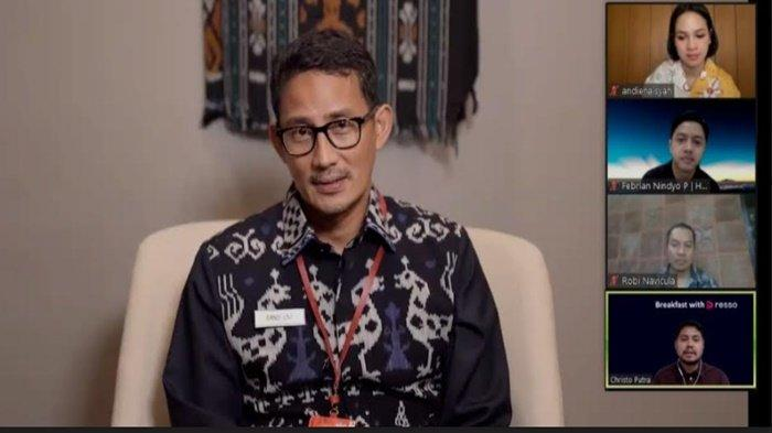 Menteri Pariwisata dan Ekonomi Kreatif Sandiaga Uno memberi sambutan pada