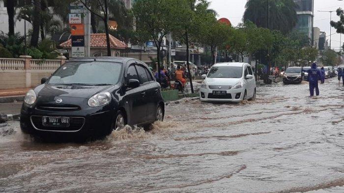 Jalanan Banjir, Ini Tips Agar Mobil (Matik) Tidak Mogok, Terabas dan Aman, Terutama bagi Pemula