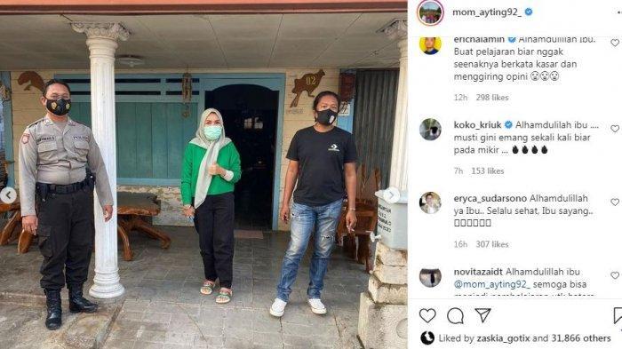 Momen kedatangan Umi Kalsum, Ayah Rozak dan aparat setempat di kediaman haters Ayu Ting Ting