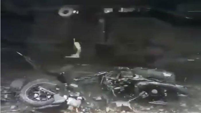 Ibu dan Anak Terpental Ditabrak Kereta Api di Muara Enim, Video Motornya Terseret Viral