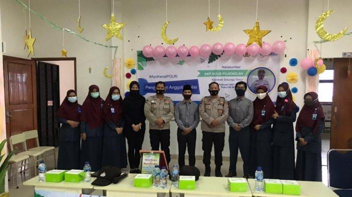 Murid SD Islam Al-Azhar 70 Baturaja Diperkenalkan Tugas Polisi Via Daring
