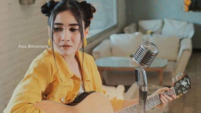 Download Lagu MP3 Nella Kharisma Full Album, Dangdut Koplo Terbaru 2019, Langsung Tersimpan di HP