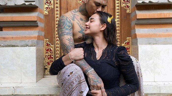 Momen Bahagia Nora Alexandra Pasca Jerinx Bebas Penjara, 'Terima Kasih Sudah Kembali'