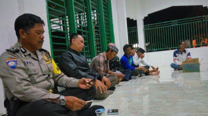 Ojek Pangkalan dan Ojek Online Sepakat Berdamai di Masjid