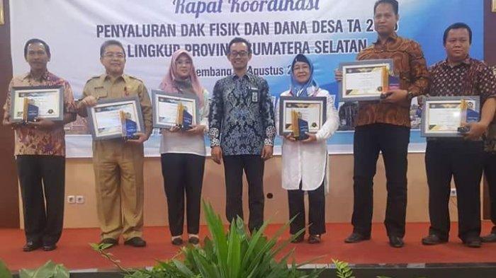 Kabupaten OKI Raih Penghargaan Dana Desa Terbaik