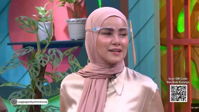 Olla Ramlan saat datang di Pagi Pagi Ambyar Trans TV