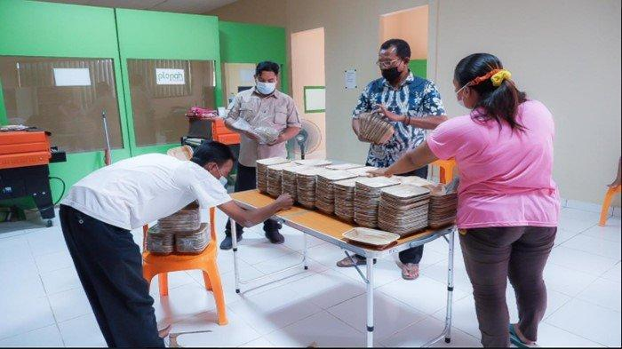 Pantia Kurban Borong Wadah Pelepah Pinang, Hasil Kerajinan Warga Desa Mendis Bayung Lencir Muba