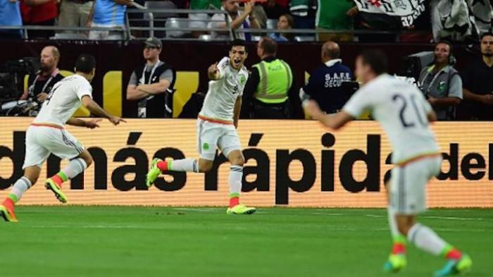 Kalahkan Uruguay, Meksiko Pimpin Klasemen