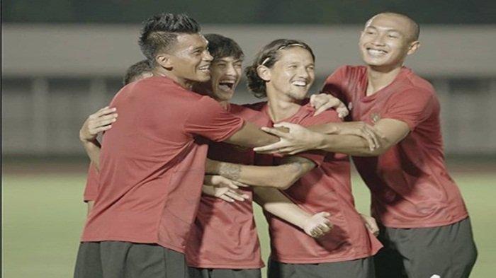 Riset Membuktikan, Banyak Bercanda Membuat Pemain Timnas Indonesia Tak Berkembang
