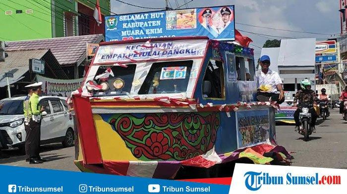 Pawai Mobil Hias Meriahkan Rangkaian Acara HUT Kabupaten Muaraenim ke 73