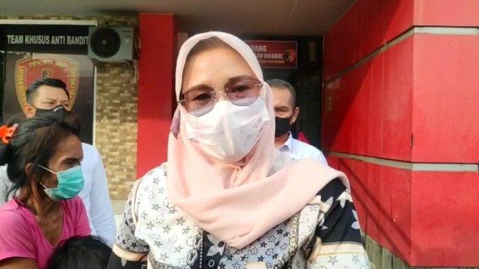 Wanita Aniaya Bocah Diduga Pengamen Viral Di Medsos Ditangkap Polisi, Mengaku Nenek Korban