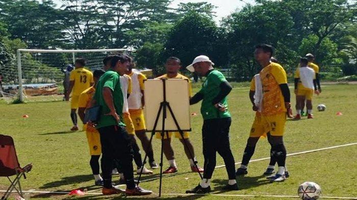 Nil Maizar Bicara Tentang Strategi Sriwijaya FC Menghadapi Lawan di Liga 2 Indonesia