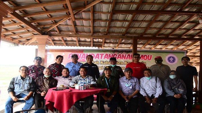 Pemerintah Kabupaten Banyuasin melakukan penandatanganan Momerandum of Understanding (MoU) dengan Institut Pertanian Bogor (IPB)di Desa Lubuk Lancang Kecamatan Suak Tapeh Kabupaten Banyuasin.