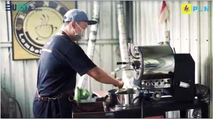 Pemilik Etnic Coffee Lombok, Galung, salah satu pelaku UMKM mengungkapkan program Super Merdeka sangat membantu dirinya untuk meningkatkan produksi usahanya.
