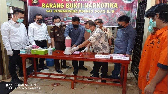 Saksikan Pemusnahan 270 Butir Ekstasi di Polres Ogan Ilir, Dua Pengedar Narkoba Ngaku Menyesal