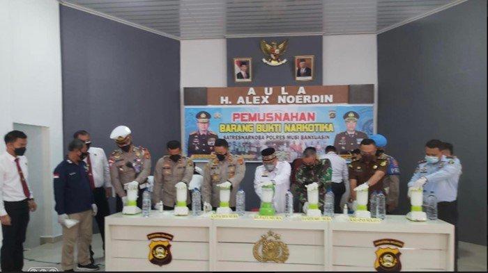 Polres Muba Musnahkan Sabu 10 Kilogram, Selamatkan 10 Juta Jiwa, Pemiliknya Asal Aceh Masih Diburu