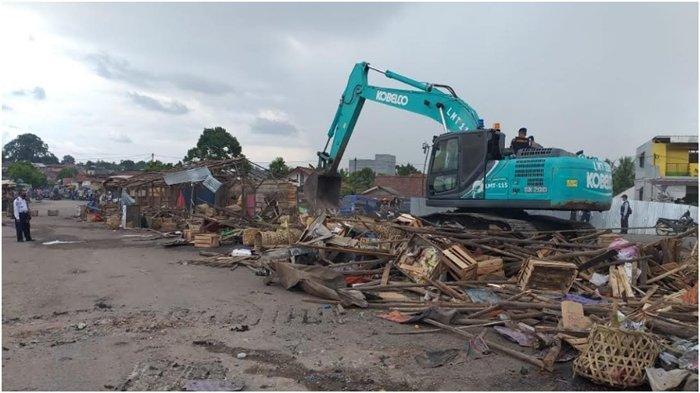 Pemkab Muara Enim dan PTBA Tertibkan Puluhan Bangunan Liar