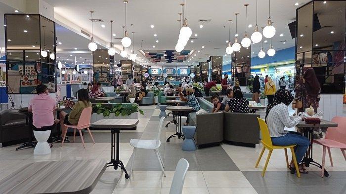 Mall di Palembang di Hari Lebaran, Menjelang Pukul 17.00 Pengunjung Berangsur Pulang