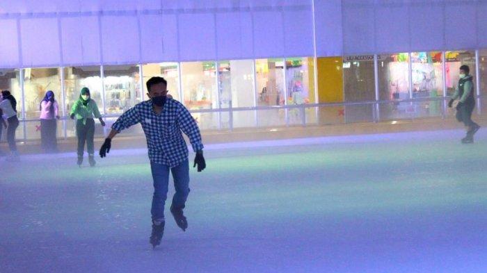 Promo OPI Ice Skating Arena Beli Satu Gratis Satu, Peringatan 1 Tahun