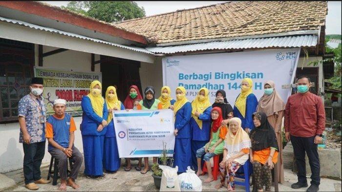 YBM Bersama PIKK UIW S2JB Bantu Yatim dan Dhuafa serta Lansia Terlantar