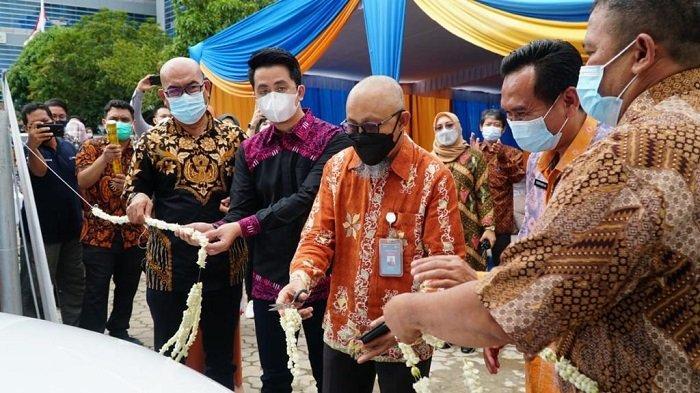 Mulai Hari Ini, Palembang Sudah Punya Charger Mobil Listrik Untuk Umum - peresmian-stasiun-pengisian-kendaraan-listrik-umum-spklu-pln-yang-pertama-di-sumatera-selatan-1.jpg