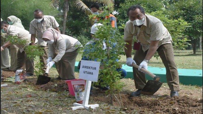 Peringati Hari Bumi, Pusri Tanam 2.000 Pohon