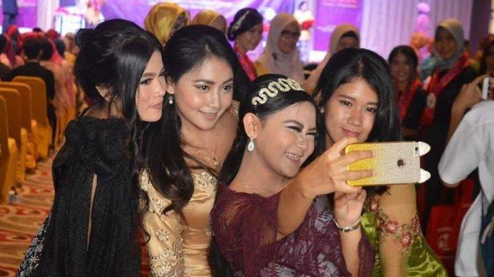 Momen Perpisahan di Gedung Mewah, Siswa SMK Rela Sewa Gaun Seharga Fantastis Agar Tampil Sempurna